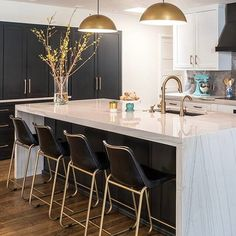 Roadhouse Black Cntr Stl Old Roadhse Leather Sdl Old Roadhouse Leather Brsl Sdl Old Roadhouse Black Barstool Old interiorinspo trending photo. tap link in bio to shop Roadhouse Counter Stools — Modern Kitchen Design, Interior Design Kitchen, Modern Interior, Minimalist Interior, Minimalist Decor, Modern Minimalist, Home Decor Kitchen, New Kitchen, Kitchen Island