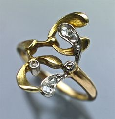 ART NOUVEAU  Mistletoe Ring Gold & diamond Length: 1.7 cm (0.67 in)  Numbered: 2269 French. Circa 1900