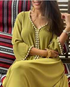 Pakistani Dress Design, Pakistani Dresses, Indian Dresses, Muslim Wedding Dresses, Dress Wedding, Moroccan Caftan, Islamic Clothing, Hijab Dress, Wedding Photography Poses