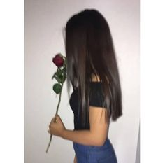Le rose sono rosse le viole sono blu vai a fancullo pure tu🖕🔥 . Teenage Girl Photography, Photography Poses Women, Tumblr Photography, Portrait Photography, Cute Instagram Pictures, Ideas For Instagram Photos, Insta Photo Ideas, Cute Girl Face, Cute Girl Photo