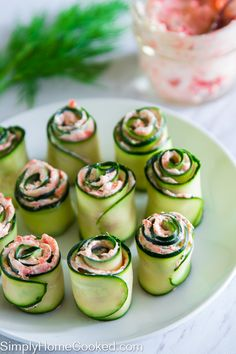 The best smoked salmon cucumber appetizers. Thinly sliced cucumber rolled up with smoked salmon cream cheese spread inside. and Drink activities for kids Smoked Salmon Cucumber Rolls Cucumber Appetizers, Cucumber Recipes, Yummy Appetizers, Appetizers For Party, Appetizer Recipes, Easter Appetizers, Vegetable Appetizers, Seafood Appetizers, Cooked Cucumber