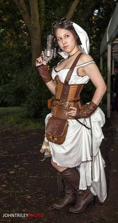 Steampunk Princess Leia! You can see more of our AnimeNext photos at nerdcaliber.com