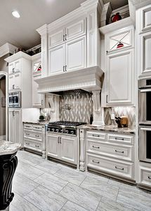 Expansive French Country Home - thumb - 15 French Country House Plans, French Country Kitchens, French Country Decorating, Country Home Design, Country Bathrooms, Country French, Ideas Dormitorios, Shabby Chic Kitchen, Rustic Kitchen