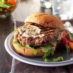 Cranberry Turkey Burgers with Arugula Salad - #healthyturkeyburgers - Cranberry Turkey Burgers with Arugula Salad...