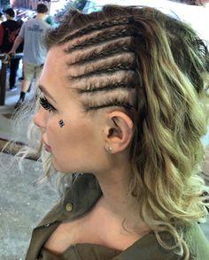 braid hairstyles bun Hair Style #ghanabraids Half Braided Hairstyles, Braided Hairstyles For Black Women, Weave Hairstyles, Viking Hairstyles, Braided Buns, Messy Buns, Dreadlock Hairstyles, Updo Hairstyle, Prom Hairstyles