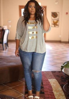 JUST IN!! Stitch Fix Plus Size fashion! 2017 fashion trends up to size 24W & 3XL. Have your own personal stylist picke items just for you & delivered to your door. No stress shopping in stores! #sponsored #stitchfix  Your curves your style! Sexy, modern, fun & flirty. Distressed denim, short sleeved top with gold detail.