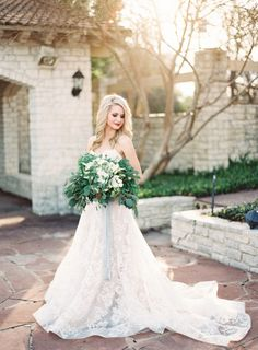 This bridal inspiration is unreal! http://www.stylemepretty.com/little-black-book-blog/2015/03/27/neutral-la-rio-mansion-wedding-inspiration/ | Photography: Mint - http://mymintphotography.com/