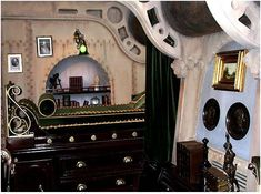 Steampunk-bed in 24hrs With a Steampunk Aeronaut - Narrative Showcase