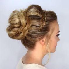 #hairdo #hairstyle #instahair #instafashion #fashion #hair #penteados #cabelos #instafashion #casamento #formatura  #festa #party #beauty #photooftheday #picoftheday #bridestyle #weddingday #diadanoiva #instablonde #cabelo #beleza #amor #love