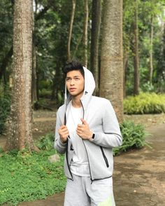 Discover recipes, home ideas, style inspiration and other ideas to try. Ricci Rivero, Big And Rich, Ariana Grande Wallpaper, Just Amazing, Basketball Players, Asian Men, Pretty Boys, Crushes, Raincoat