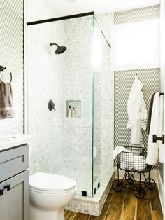 HGTV Dream Home 2017: Guest Bathroom Pictures >> http://www.hgtv.com/design/hgtv-dream-home/2017/guest-bathroom-pictures-from-hgtv-dream-home-2017-pictures?soc=pinterest