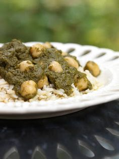 Chana Saag - slow cooker recipe for Indian spinach & chickpea curry @ Have Fun Do Good blog