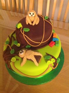 Sloth and Lego cake...