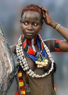 Ethiopia. Hamar girl, Omo Valley. Check aa5.nl/snk3X to meet her. // Photo David Schweitzer.