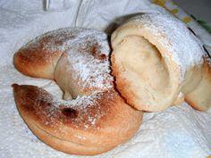 I biscotti della zia: Brioches semplici, poco burro, tanto gusto!