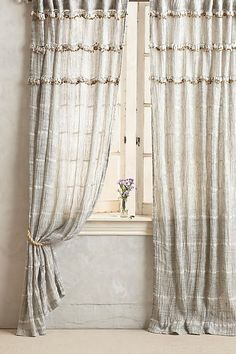 Graduated Tassel Curtain