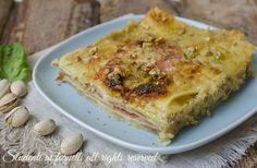 Lasagne ai pistacchi e speck con pesto di pistacchi, cremoso e gustoso. Ricetta primo piatto facile e veloce, lasagne ai pistacchi con speck e provola..