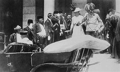 On June 28, 1914, Franz Ferdinand, Archduke of Austria and his wife Sophie are assassinated in Sarajevo by Gavrilo Princip, sparking World War I. Here they are five minutes before the assassination.