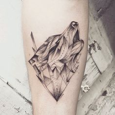 By #favry #wolf #graphictattoo #animal #nature #howlingwolf #blackwork