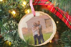 DIY Photo Transfer On Wood Ornament Best Picture For Diy Wood Ornaments photo transfer For Your Tast Picture Transfer To Wood, Transfer Images To Wood, Christmas Ornaments To Make, Wood Ornaments, Christmas Crafts, Christmas Ideas, Xmas, Photo Onto Wood, Picture On Wood