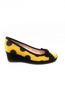 YELLOW BLACK WEDGE Footprint, Yellow Black, Wedges, Street Style, Flats, Shoes, Fashion, Loafers & Slip Ons, Moda