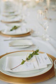 Pretty place settings: http://www.stylemepretty.com/canada-weddings/british-columbia/vancouver/2015/03/17/elegant-vancouver-botanical-garden-wedding/   Photography: Taryn Baxter - http://blog.tarynbaxter.com/