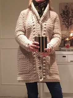 Crochet Woman, Crochet Cardigan, Crochet Clothes, Crochet Scarves, Shirt Outfit, Diy Fashion, Men Sweater, Pullover, Knitting