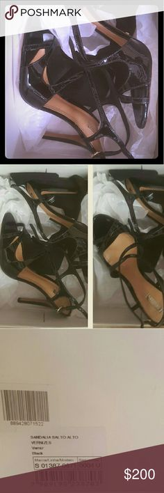Schutz vernizes salto alto patent leather Brand new in box with tissue paper and dustbag...made in brazil, 100% authentic SCHUTZ patent leather heels in size 9... $100 obo submmited. SCHUTZ Shoes Heels