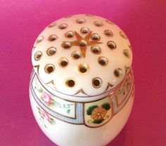 Nippon-Noritake-Sugar-Shaker-Blue-With-Roses-And-Gilded-Star-Rising-Sun-TM