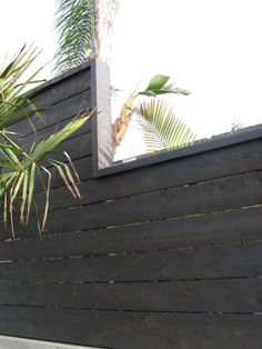 Horizontal Wood Fence - A horizontal fence finished of wood sheets is constantly a very sole and unusual thing. How to construct a horizontal fence with. Modern Fence Design, Modern Landscape Design, Modern Landscaping, Contemporary Landscape, Landscaping Software, Contemporary Fencing, Waterfall Landscaping, Hydrangea Landscaping, Landscaping Trees