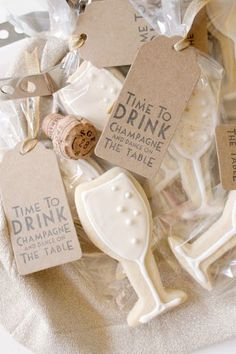 ♔ {Bridal shower idea} Palm Beach Lately: Bachelorette Week: Champagne Cookies + Cocktails Diy Wedding Favors, Party Favors, Wedding Decorations, Hen Do Party Bags, Wedding Centerpieces, Bridal Shower Favors Diy, Bridal Showers, Wedding Ideas, Champagne Party