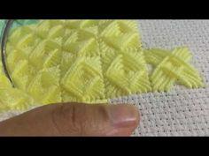 BATTANİYE MOTİFİ YAPILIŞI - YouTube Sewing Stitches, Knitting Patterns, Crochet Patterns, Plastic Canvas Stitches, Plastic Canvas Patterns, Wool Embroidery, Embroidery Designs, Macrame Patterns, Crochet Handbags