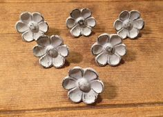 Rustic Brown Cast Iron Cupped Flower Shaped Knobs Drawer Pulls Closet Doors 12