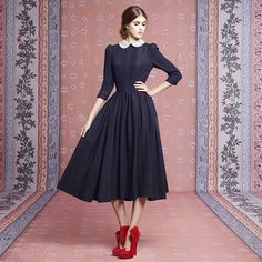 Peter pan collars are always adorable Modest Dresses, Day Dresses, Pretty Dresses, Casual Dresses, Modest Fashion, Hijab Fashion, Fashion Dresses, Vintage Dresses, Vintage Outfits