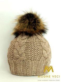 Dámska čiapka s bambuľou z pravej kožušinky 3091