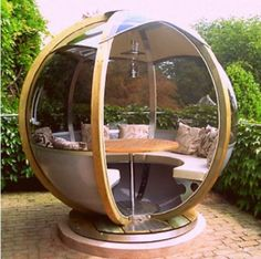Wow. LOL http://shannoneileenblog.typepad.com/happiness-is/2011/05/space-age-garden-pods.html
