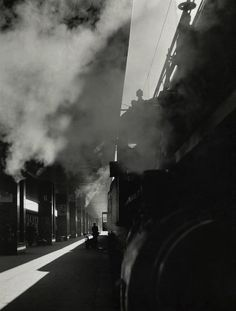 Herbert List - Termini station, Rome, Italy, 1950 From Magnum Photos - great atmosphere Herbert List, Modern Photography, Vintage Photography, Black And White Photography, Street Photography, Dramatic Photography, Artistic Photography, Photo D Art, Magnum Photos