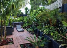 Small Garden in The Backyard Design Ideas zen resort style garden decking full Small Tropical Gardens, Tropical Garden Design, Tropical Landscaping, Garden Landscape Design, Small Garden Design, Backyard Landscaping, Landscaping Design, Tropical Plants, Bali Garden