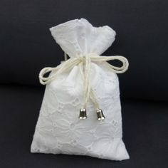 KakaduArt - poduszki.simplesite.com Pouch, Gift Wrapping, Gifts, Gift Wrapping Paper, Presents, Sachets, Wrapping Gifts, Porches, Belly Pouch