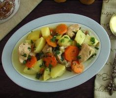 Image of Stewed chicken with potatoes and carrots | Food From Portugal