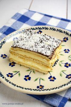 Sernik gotowany na herbatnikach to ciasto bez pieczenia, które robi się wyjątkowo szybko. Doskonałe dla osób nie mających piekarnika czy miksera.