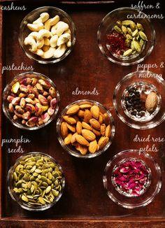 masala milk powder recipe, how to make masala doodh powder recipes Veg Recipes, Baby Food Recipes, Indian Food Recipes, Vegetarian Recipes, Cooking Recipes, Healthy Recipes, Smoker Recipes, Milk Recipes, Cooking Tips