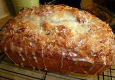 Jamaican banana bread Ingredients : 2 cups all-purpose flour teaspoon baking soda teaspoon salt 1 cup granulated sugar cup butter, softened 2 large eggs 1 cups mashed ripe banana (about 3 bananas) cup plain low-fat yogurt (or pina colada flavored! Jamaican Banana Bread Recipe, Just Desserts, Dessert Recipes, Yummy Recipes, Simply Recipes, Breakfast Recipes, Dinner Recipes, Skinny Recipes, Quick Recipes