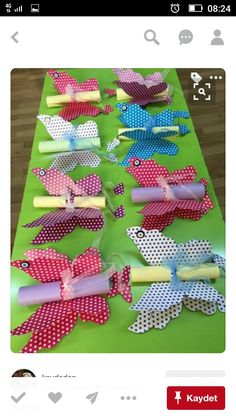 This Pin was discovered by çiğ Butterfly Party, Butterfly Birthday, Butterfly Crafts, Summer Crafts, Diy And Crafts, Crafts For Kids, Arts And Crafts, Diy Y Manualidades, Mothers Day Crafts