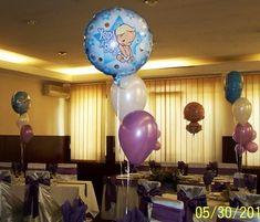 Buchet realizat din baloane umflate cu Heliu pentru mesele invitatilor.  Se poate face din 3-5 baloane latex sau 2-4 latex si un balon folie. Flamingo Party, Latex, Chandelier, Ceiling Lights, Home Decor, Candelabra, Decoration Home, Room Decor, Chandeliers