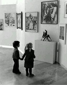 La creatività è in ciascuno di noi. Per meglio dire era in ciascuno di noi, quando eravamo piccoli. Nei bambini la creatività è un elemento universale. Fra gli adulti è pressoché inesistente. Il gr…