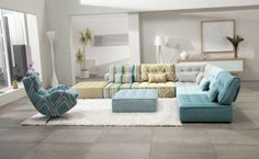 If you are a fan of daybeds, sofa beds or floor cushions, these floor couch ideas will be greatly appealing to you. A floor sofa is different to the traditional sofas. Living Room Modern, Living Room Sofa, Living Room Designs, Small Living, Living Rooms, Modular Sectional Sofa, Modern Sectional, Tufted Sectional, Tufted Ottoman