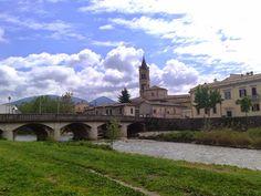 Comune di Foligno \ Sindaco: Nando Mismetti \ Altitudine: 234 m s.l.m. \ Superficie: 263,77 km² \ Abitanti: 56,795 \ Densità: 0,22 ab.km² \ Frazioni: Appartengono al comune di Foligno 127 frazioni.\ Comuni confinanti: Bevagna, Montefalco, Nocera Umbra, Sellano, Serravalle di Chienti (MC), Spello, Trevi, Valtopina, Visso (MC) \ CAP: 06034 \ Nome abitanti: Folignati \ Patrono: San Feliciano