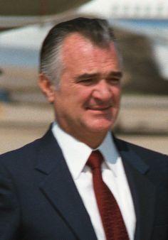 Miguel de la Madrid Hurtado (Colima, 12 december 1934 – Mexico-stad, 1 april 2012) was een Mexicaans politicus. Hij was president van Mexico van 1982 tot 1988. Als reactie op de economische crisis van de jaren '80 werd onder De la Madrid een eind gemaakt aan het economisch nationalisme dat het beleid van de Mexicaanse overheid tientallen jaren gekenmerkt had en werd over gegaan naar een meer neoliberaal systeem.