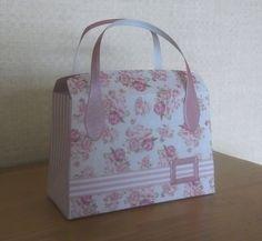 Paper Purse, Paper Bags, Homemade Gift Bags, Petite Purses, Tonic Cards, Handbag Tutorial, Christmas Gift Bags, Paper Gift Box, Cute Gift Boxes
